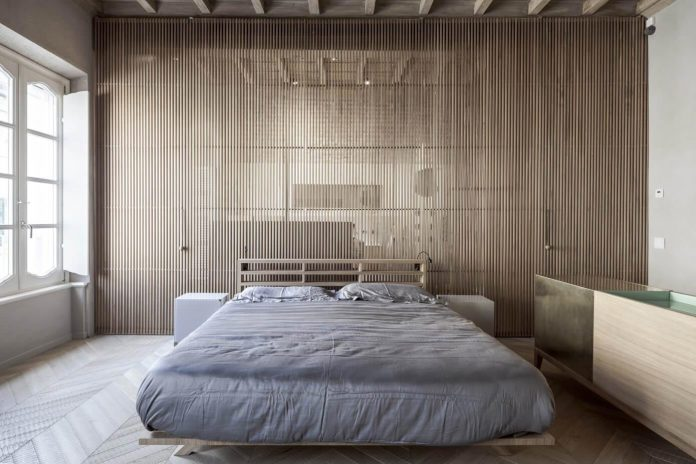 stylish-apartment-rj-mantua-italy-designed-pale-colors-touch-colors-06