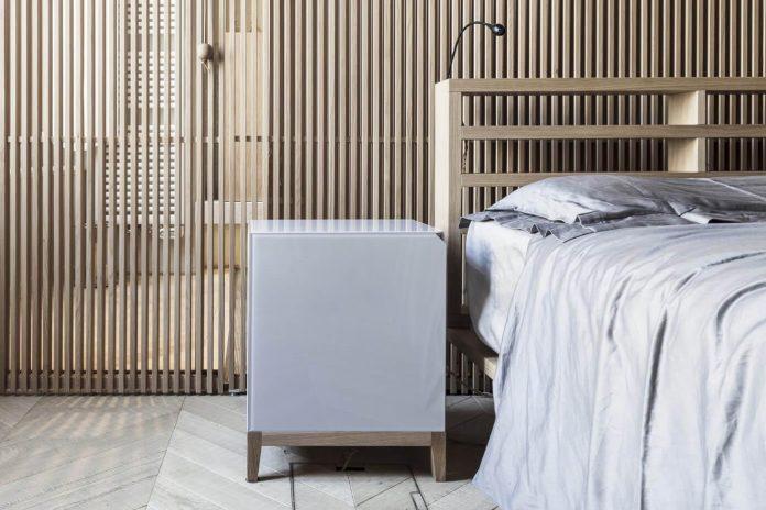 stylish-apartment-rj-mantua-italy-designed-pale-colors-touch-colors-07