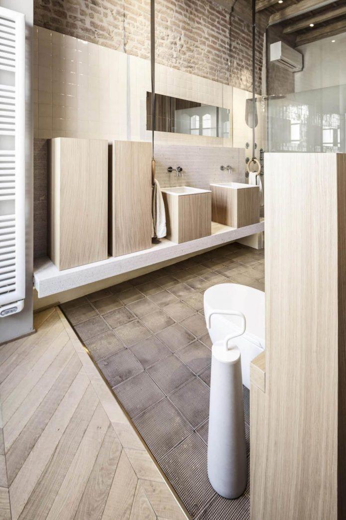 stylish-apartment-rj-mantua-italy-designed-pale-colors-touch-colors-10