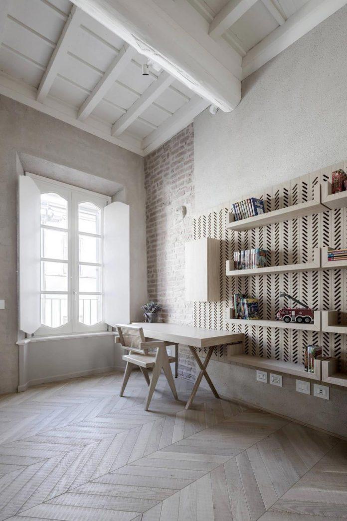 stylish-apartment-rj-mantua-italy-designed-pale-colors-touch-colors-13