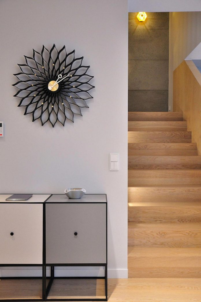 stylish-colourful-apartment-completed-ministerstwo-spraw-wnetrzach-18