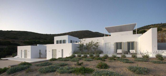 summer-house-sea-views-located-island-paros-cyclades-02