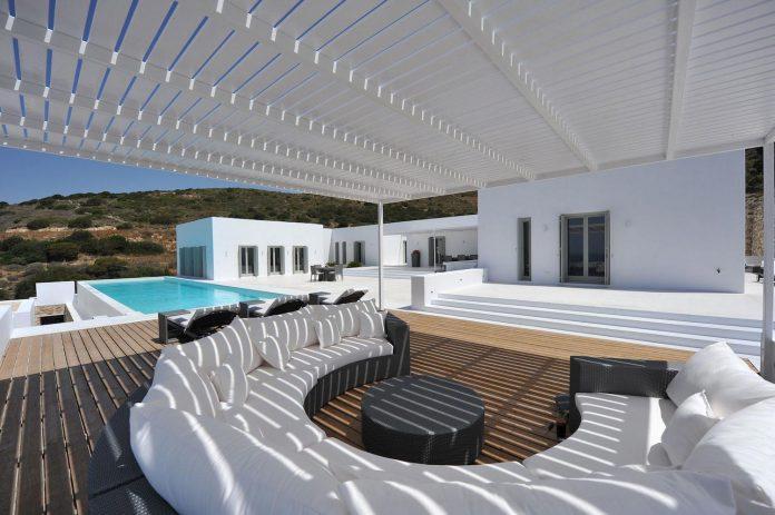 summer-house-sea-views-located-island-paros-cyclades-07