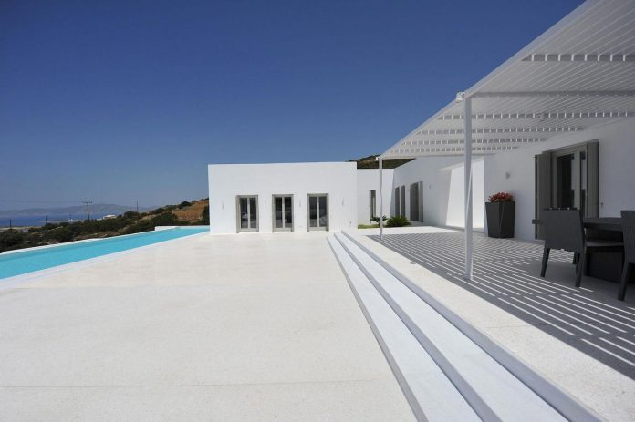 summer-house-sea-views-located-island-paros-cyclades-10