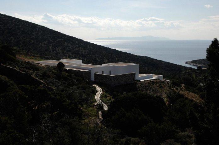 summer-house-sea-views-located-island-paros-cyclades-12