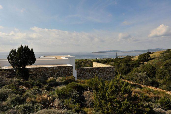 summer-house-sea-views-located-island-paros-cyclades-15