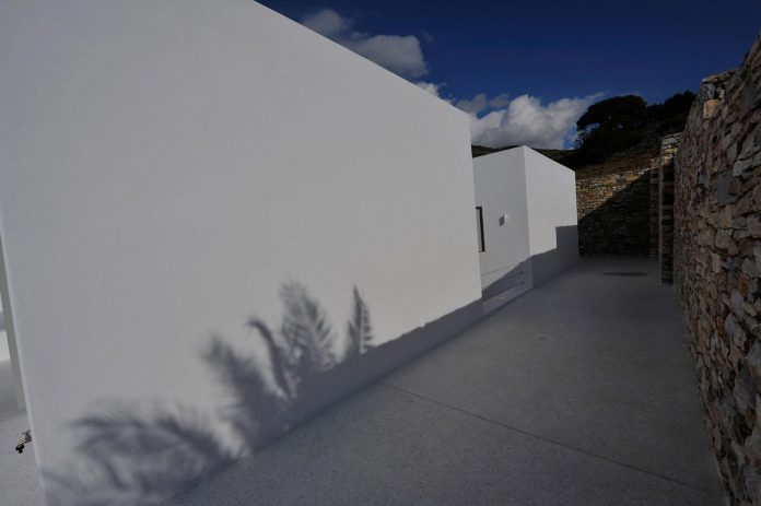 summer-house-sea-views-located-island-paros-cyclades-17