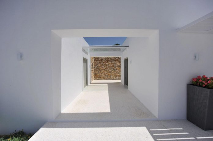 summer-house-sea-views-located-island-paros-cyclades-18
