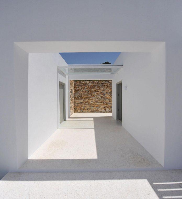 summer-house-sea-views-located-island-paros-cyclades-19