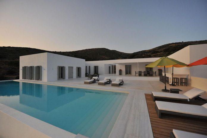 summer-house-sea-views-located-island-paros-cyclades-25