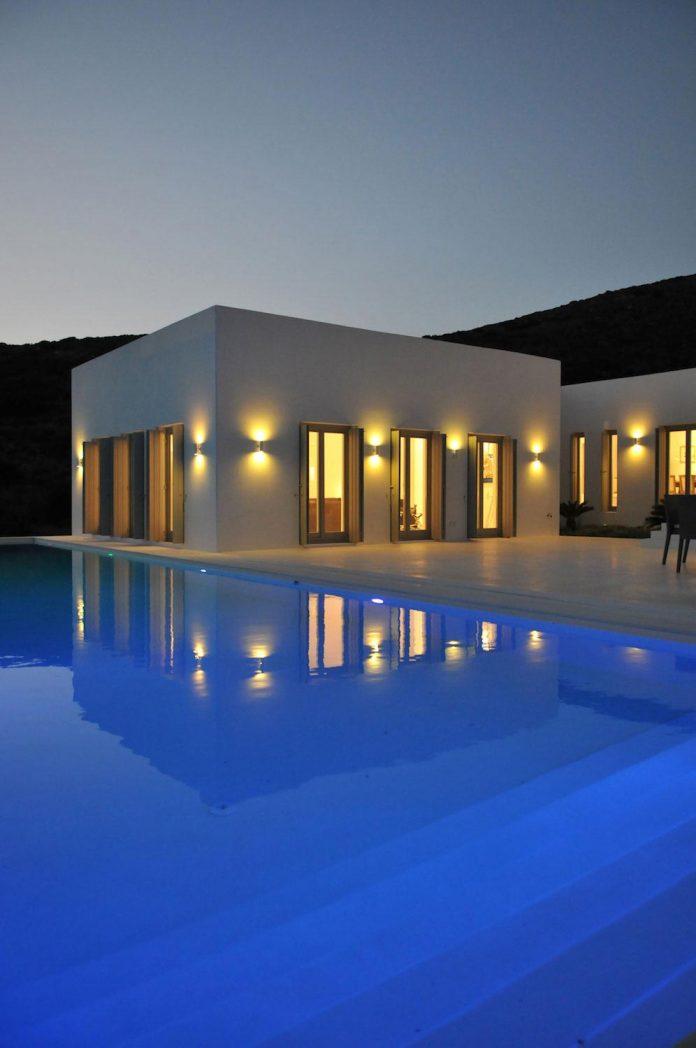 summer-house-sea-views-located-island-paros-cyclades-30