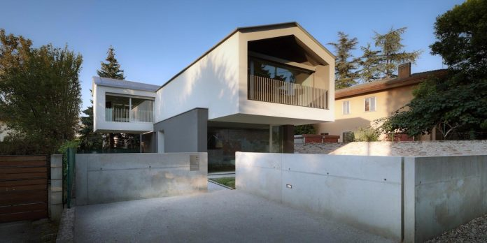 t-shaped-contemporary-house-outskirts-treviso-02