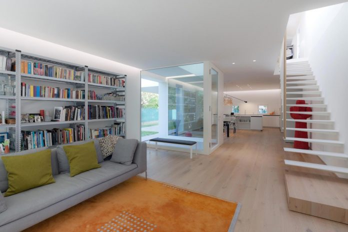 t-shaped-contemporary-house-outskirts-treviso-05