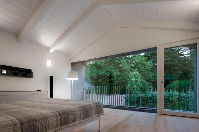 t-shaped-contemporary-house-outskirts-treviso-27