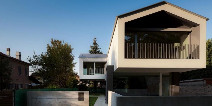 t-shaped-contemporary-house-outskirts-treviso-38