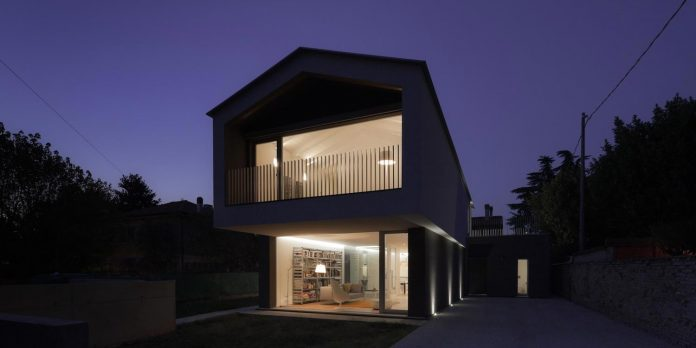 t-shaped-contemporary-house-outskirts-treviso-42