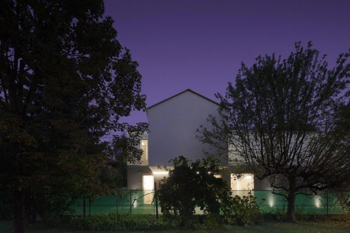 t-shaped-contemporary-house-outskirts-treviso-43