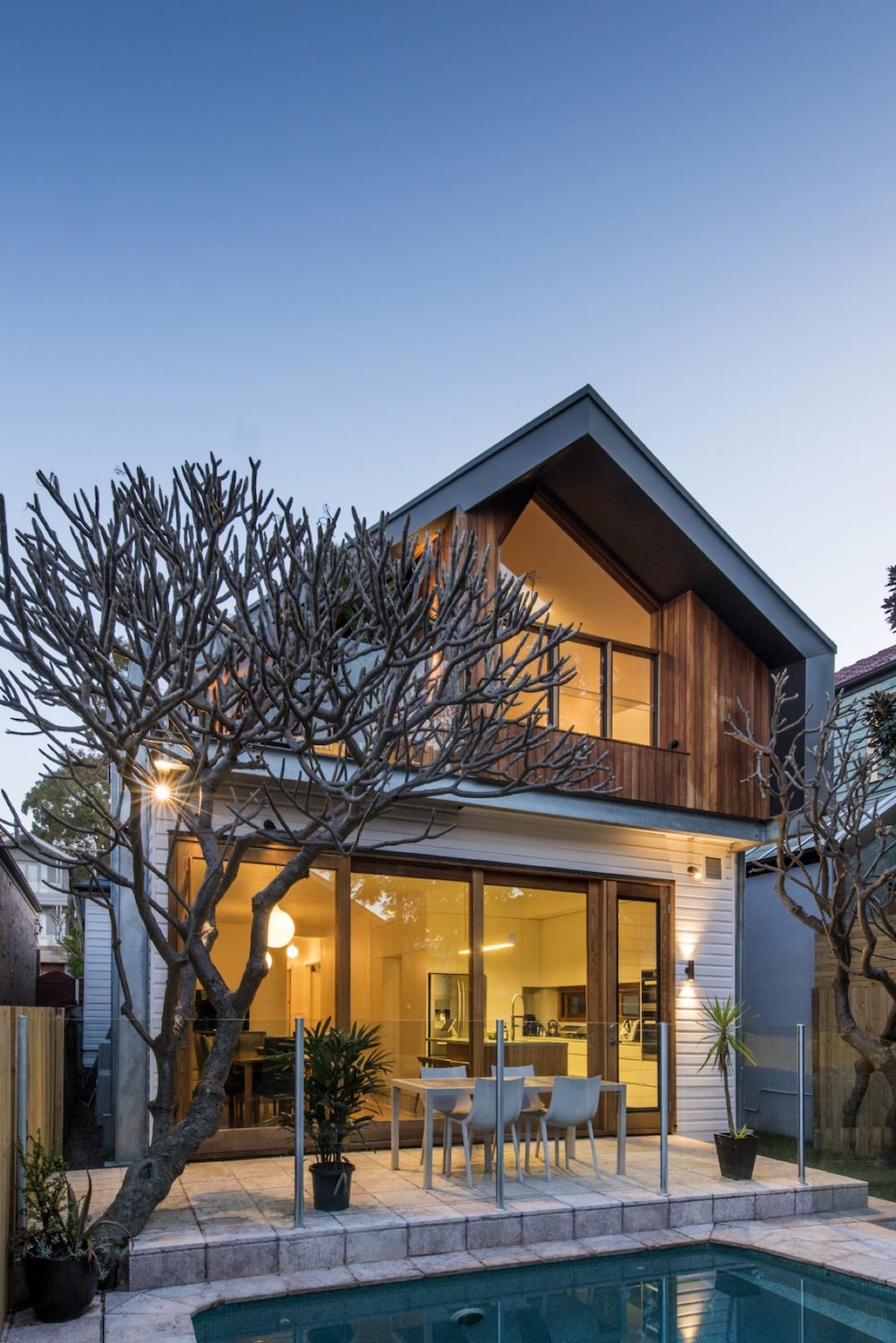 Upper level extension to a heritage family home which includes a rear laneway garage