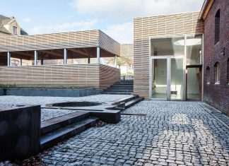 Authentic and modern farmhouse in the hilly countryside of Limburg