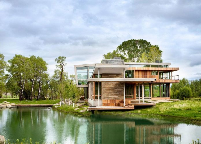Big Timber Riverside by Hughes Umbanhowar Architects could be your dream ranch