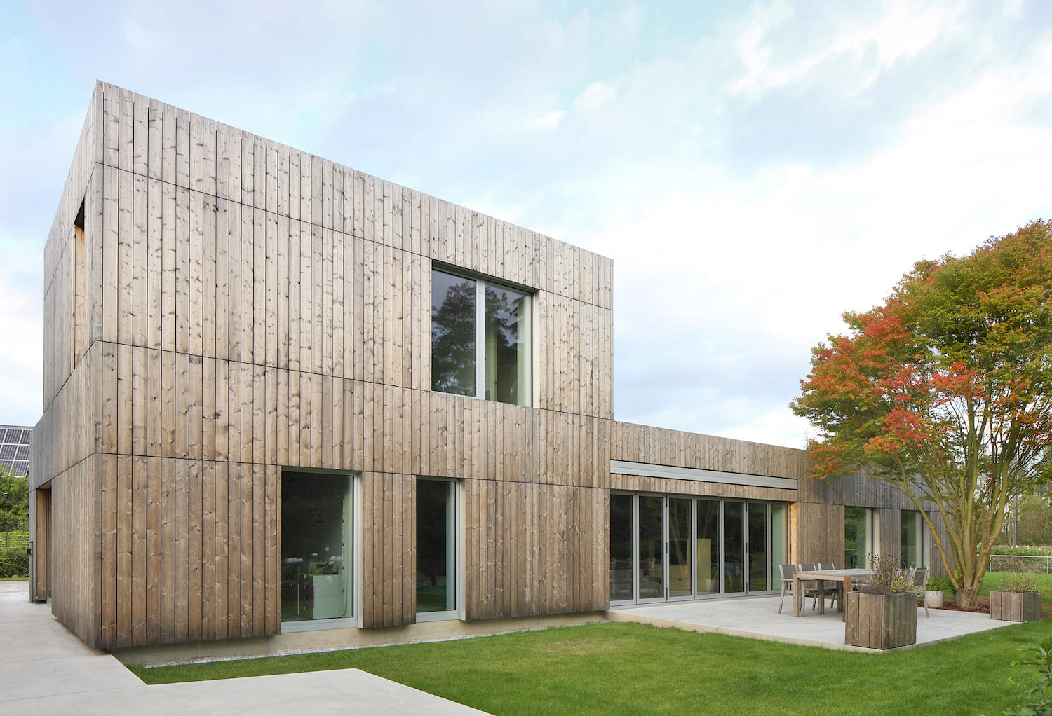 Bunga Low Thermowood Cladding Gives The Facades A Modern