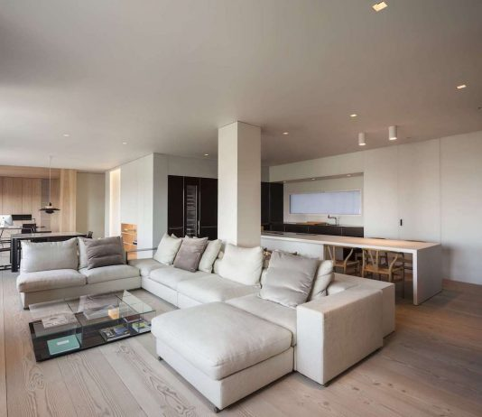Contemporary apartment in Sienna, Italy designed in warm colors