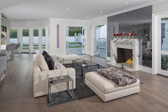 Contemporary Estate With Cool Features Could Be The