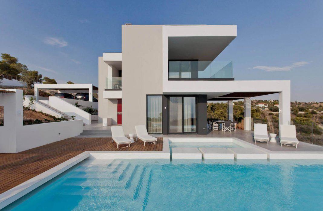 Contemporary villa overlooking the Mediterranean sea located in