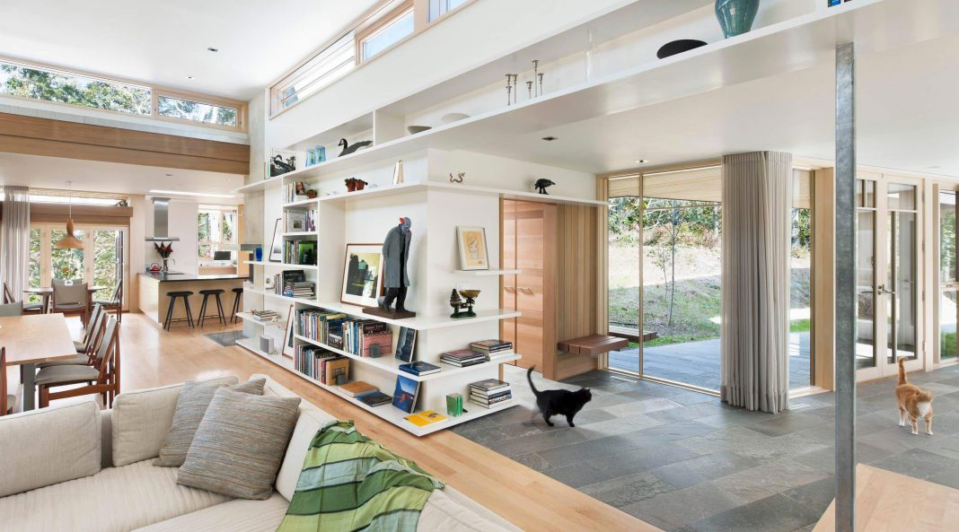 Contemporary wooden residence brings abundant natural light through to the interior