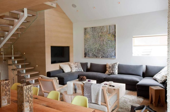 Cozy Whistler retreat, perfect for aprés-ski time with family and friends