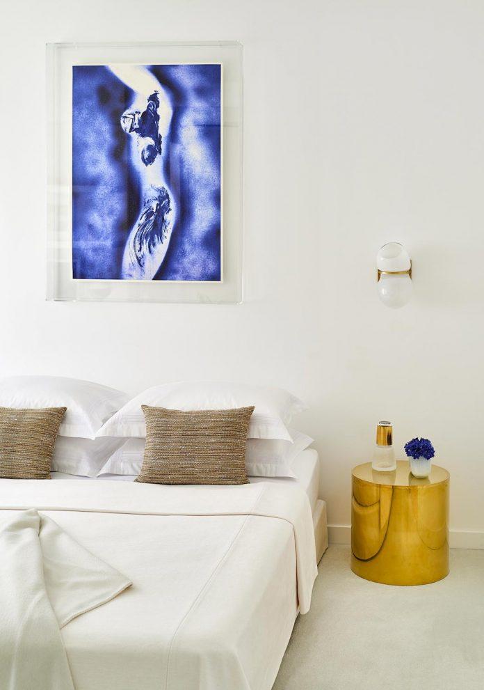 elegant-pure-clean-lines-define-apartment-perched-hills-cannes-09