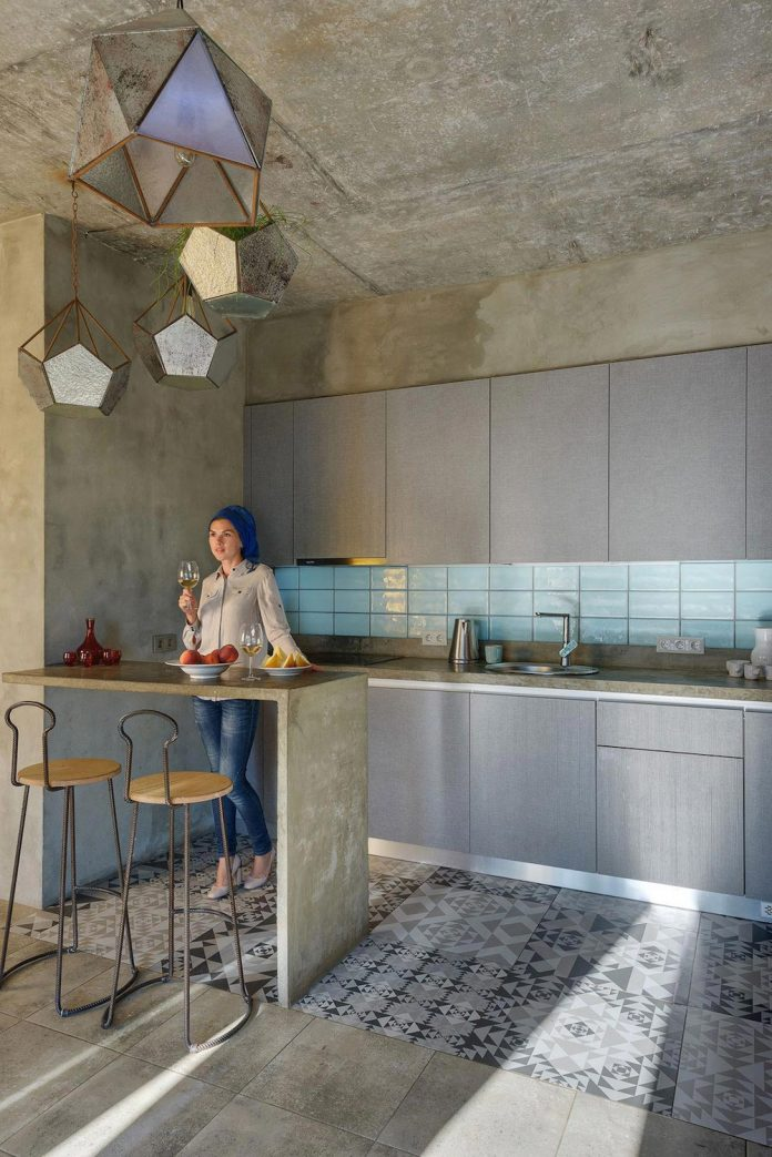 House of the sun a persian influence in the design of an - Appartement atypique studio persian primavera ...