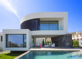 Mediterranean Finestrat villa with the sea in the horizon designed by Gestec