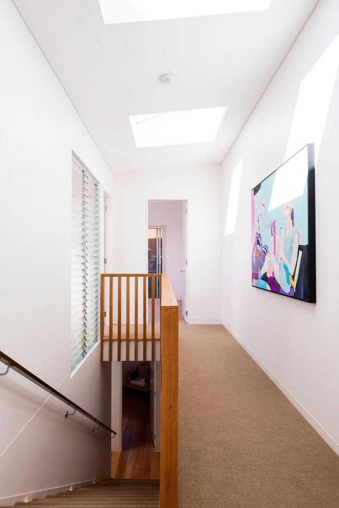 renovation-60s-dark-confined-single-level-home-bright-modern-living-space-08
