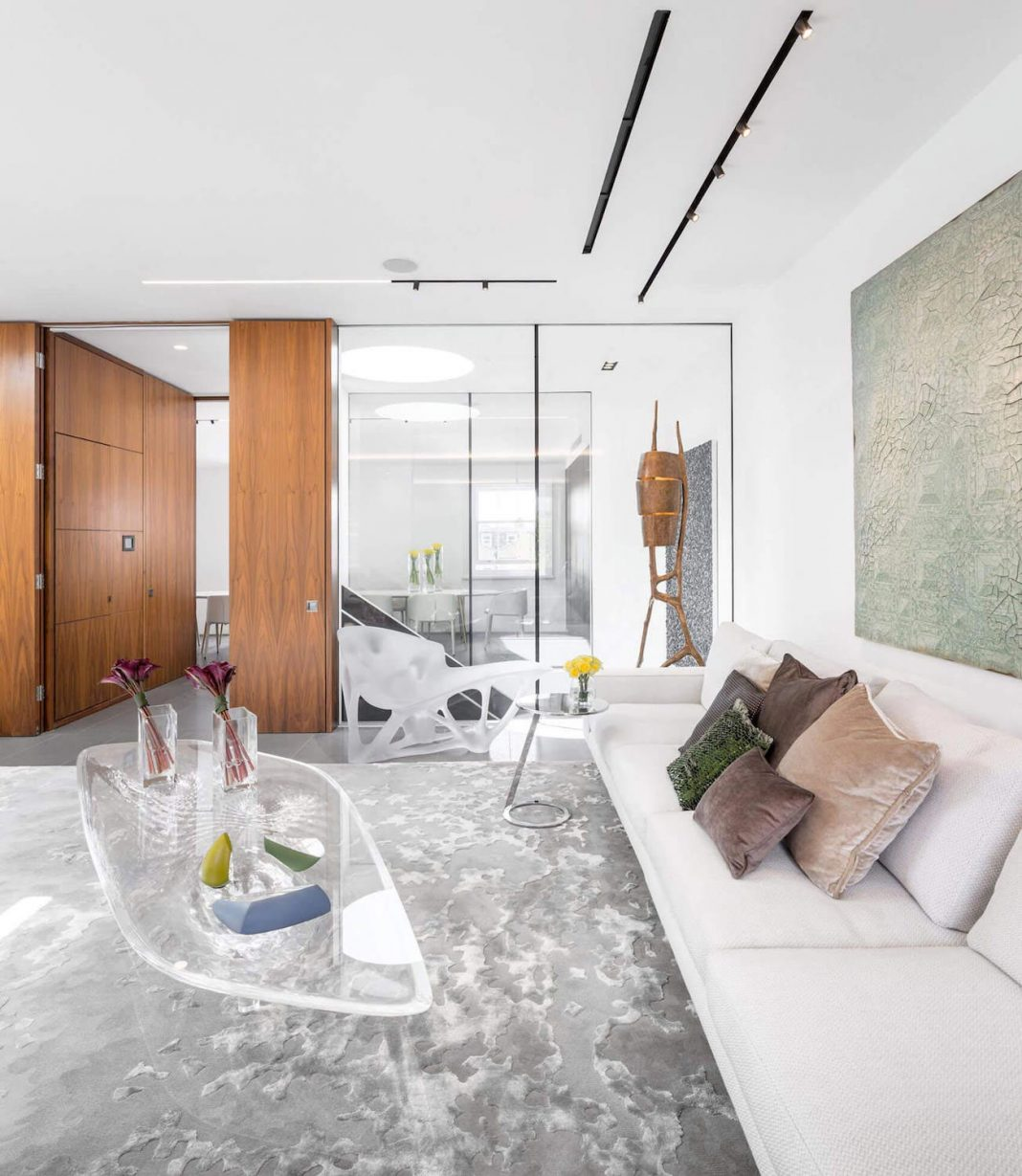Three floors penthouse in London for a young art-collector couple