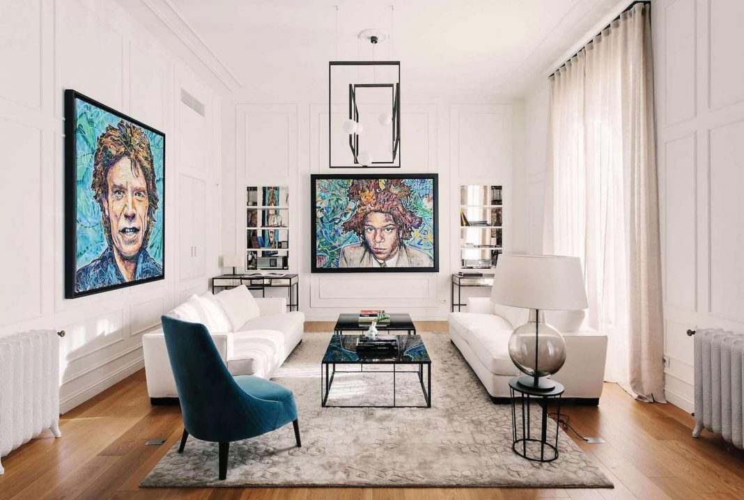 Apartment design for a family of globetrotters in an English elegance and Italian design