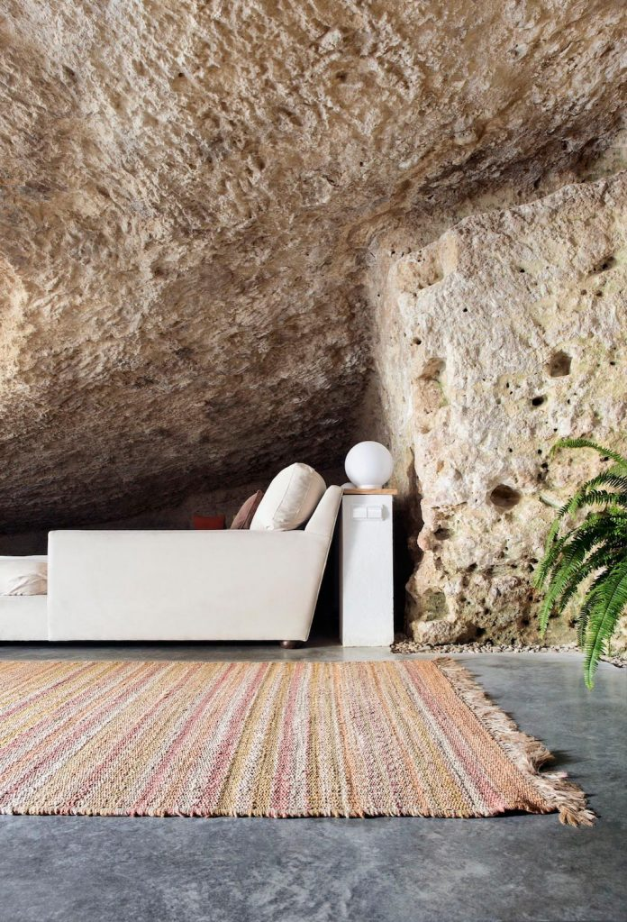 Cave house sits in the foothills of Sierra Morena in ...