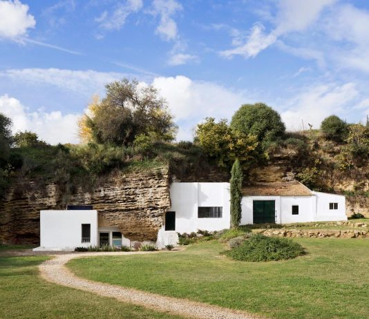 Cave house sits in the foothills of Sierra Morena in calcarenite stone terrain