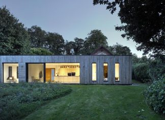 Contemporary extension for a Grade II Listed barn in Alresford, Hampshire