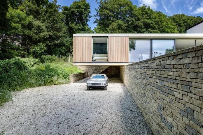 Modern house that needed to eschew the usual trappings of staid ...