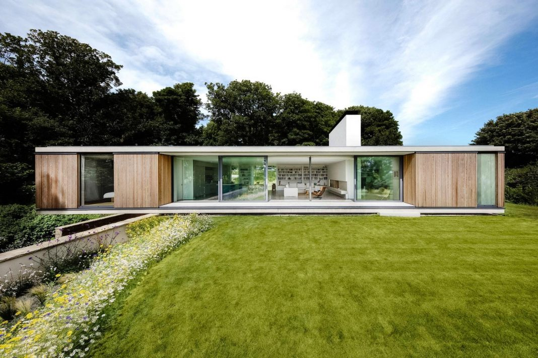 Modern house that needed to eschew the usual trappings of staid, retirement home design