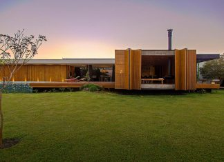 One story home designed in simple lines and volumes that create relationships between internal and external space