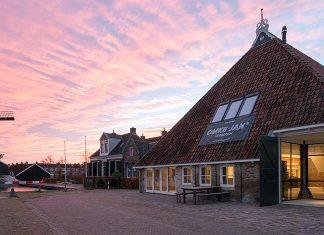 Renovation of a historic Dutch farmhouse into a vibrant meeting place