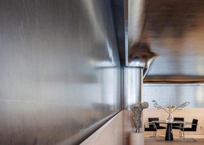 Art Deco Minimalism Apartment In Manhattan Designed By