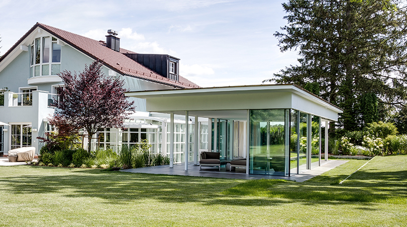 Home extension by MEER Architekten including a recreational area and a private pool