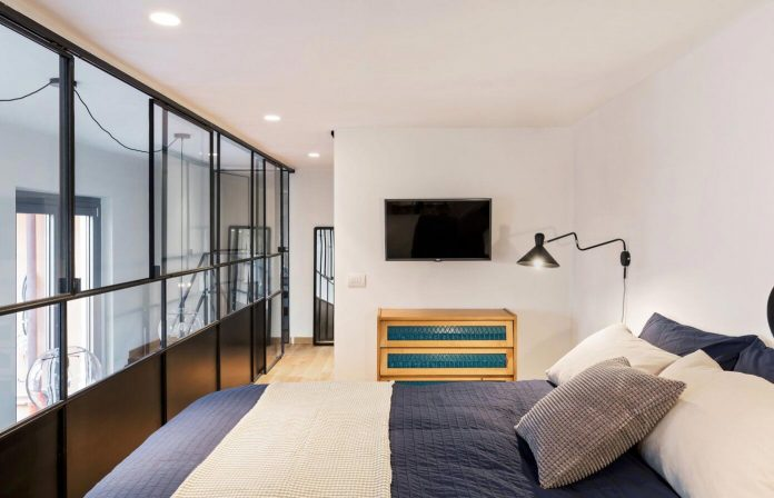 Industrial building transformed into stylish contemporary - Camera industrial chic ...