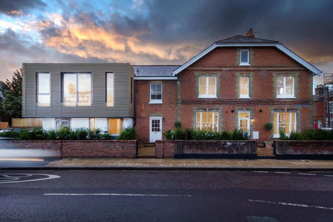 Ivanhoe terrace in the heart of the winchester for Winchester architects