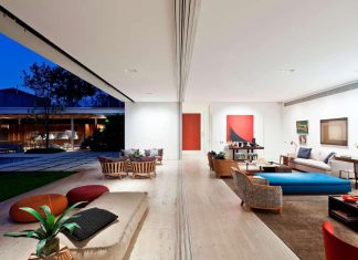 Jacobsen Arquitetura designed a modern house for a contemporary lifestyle