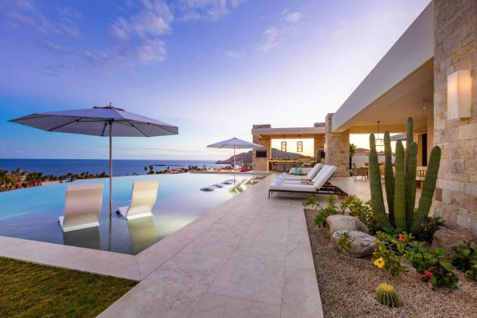 Luxury Beach House Situated In El Dorado California By