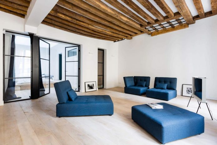 Minimalist apartment design focused on raw materials and pure forms by Jonathan Stene